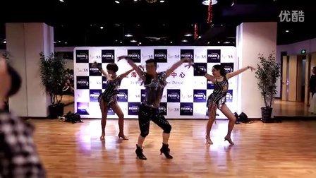 [视频] 阿强Ladies Styling表演 (飞迅2015年终盛典)