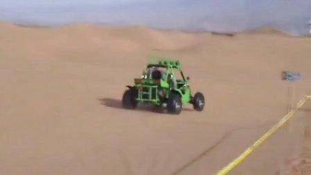全地形车在5A级沙漠景区