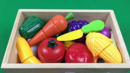 大耳朵图图和斗龙战士一起来切水果 水果切切看 玩具过家家