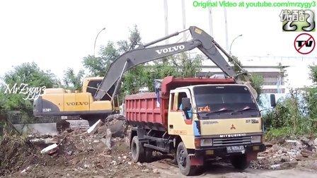 沃尔沃 EC210B挖掘机在泰国工地工作