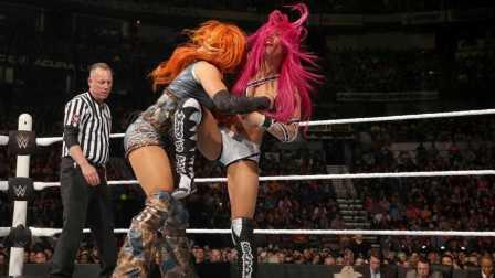 Raw 2/29 林奇PK班克斯 谁将进军摔跤狂热?