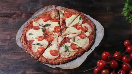 【大吃货爱美食】精致美食——有创意的菜花饼皮玛格丽塔披萨~160318