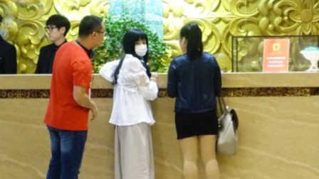 网友北京某酒店偶遇苍井空,并获亲密合影