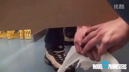 你咋不上天?上厕所没带纸只好……这B装得给满分!