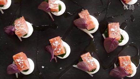 关注微博:chefsteps-george.低温三文鱼.辣根奶油.豆瓣菜酱.三种摆盘方式呈现