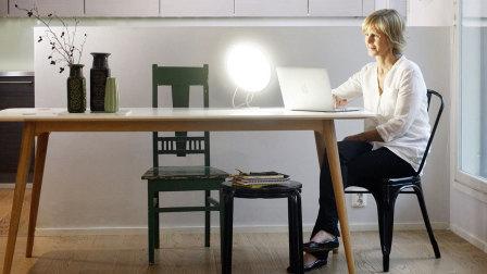 一个盲人设计了温暖的灯 拯救了很多忧郁症患者 72