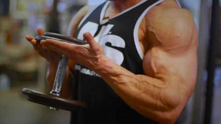 奥赛季军Jason Poston的二头肌终结者训练