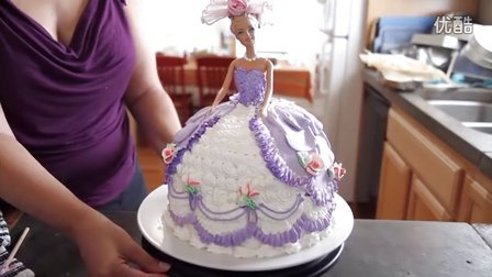 DIY美食:如何来装点一个芭比娃娃公主生日蛋糕