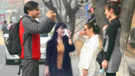 美女路人被整蛊照相机搞得满脸都是 15