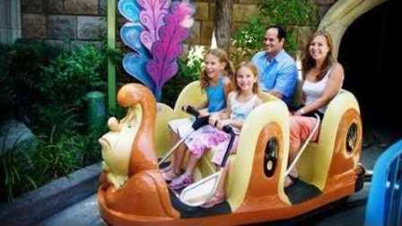 爱丽丝梦游仙境 Alice in Wonderland at Disneyland