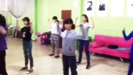 濮阳芭菲爵士舞鸟叔Daddy 零基础学员第一节课就跟上了 看视频➕微信18339327159
