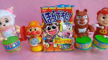 日本食玩香蕉棒糖 熊出没 面包超人 喜羊羊猪猪侠过家家玩具