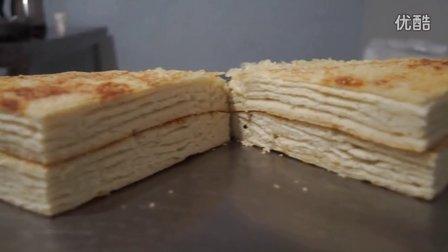 郑州王师傅千层饼培训学费二百最新千层饼手抓饼胡辣汤油馍头水煎包的做法