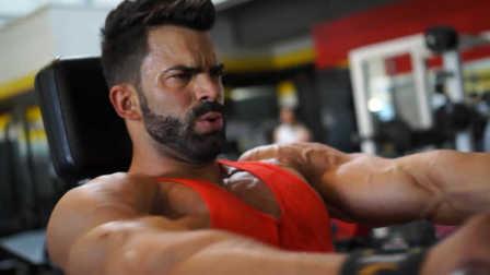 Sergi Constance(塞尔吉·康斯坦斯)新发型&胸肌训练
