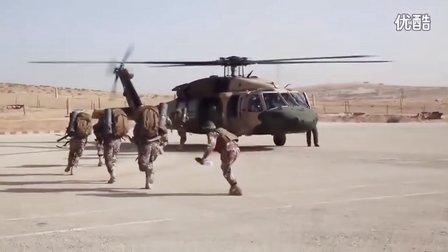 约旦黑鹰中队空中突击演练