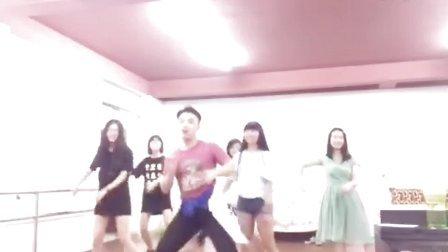 舞蹈《咋啦爸爸》- 学生斗舞