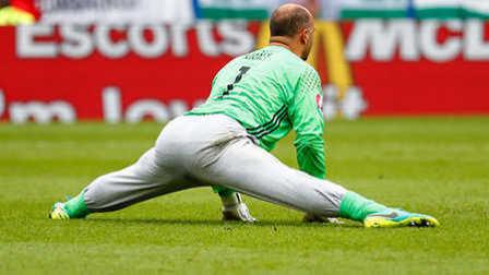 体坛嘿未够 第一季:疯狂的足球爆笑欧洲杯 穿秋裤打比赛稳如狗