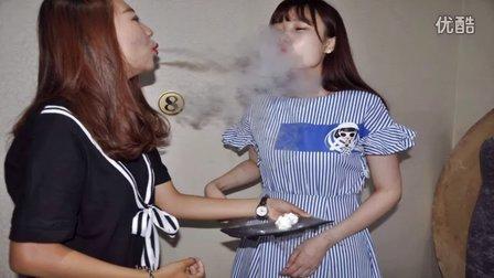 冒烟液氮冰淇淋现场操作视频