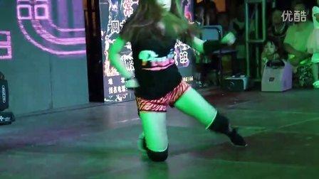 胡图图女子街舞培训导师表演