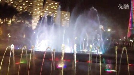中国广东广州天河区花城广场音乐喷泉