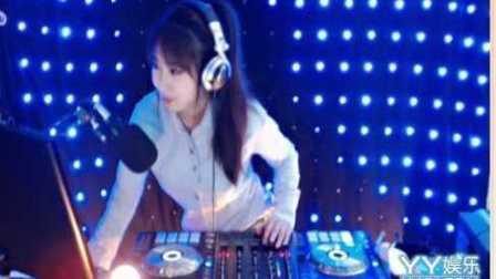 美女DJ舞曲dj最新2016精品中文慢摇超劲爆激情现场美女打碟