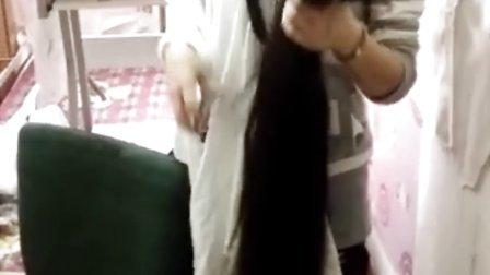 美女剃光头之剃115公分长发――qq好汉一条1240744392