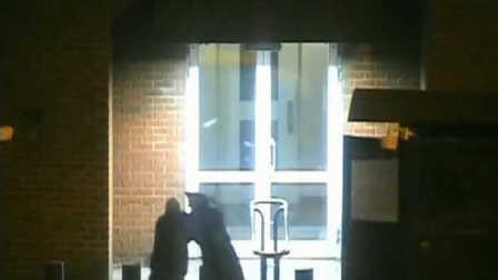 监控:俄警察暴打美国特工