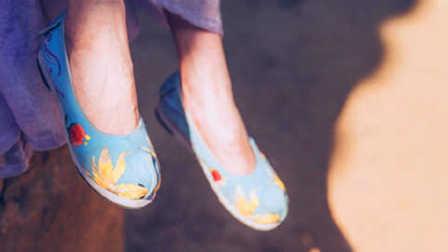 女人鞋子和性教育有关