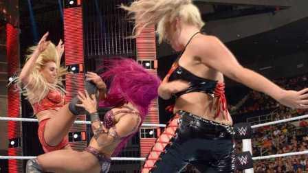【中文解说】WWE女子撕衣!夏洛特&丹娜布洛克vs莎莎&贝琪美林(摔角2016年7月19日)