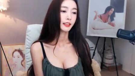 韩国第一颜值美女主播直播间内展示好身材 160720