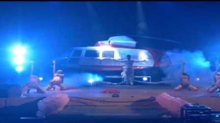 央视新闻报道魔术师郭盛峰大型魔术 这么大的飞机是怎么变出来的?