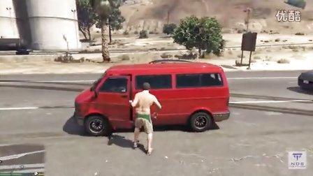 GTA5模拟高速公路汽车碰撞车祸