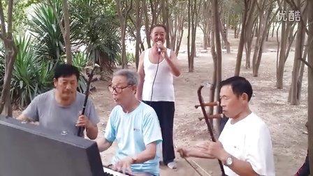 三门峡市民间音乐爱好者演唱的…小白杨…优美动听…欢迎你欣赏。