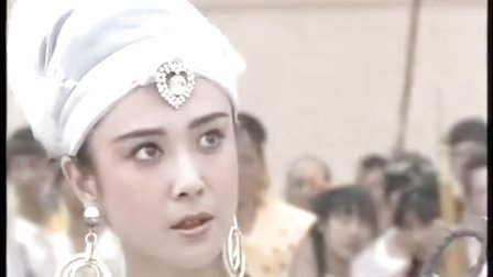 1990封神演义:傅艺伟版苏妲己斩首之前,施展魅惑之术,超具杀伤力!