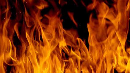 【家庭电路中电流过大的原因】空中火灾