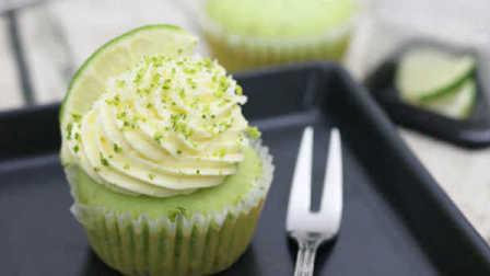 CCMissY烘焙:椰香青柠檬纸杯蛋糕