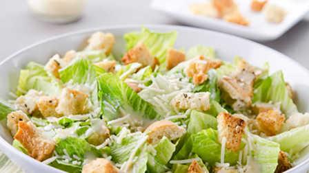 最著名的凯撒沙拉Authentic Caesar Salad