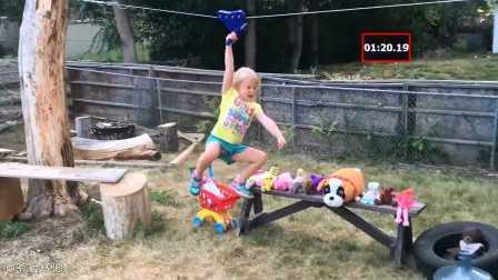 """有才老爸把自家后院改造成""""忍者勇士""""的赛场供五岁的女儿玩耍"""