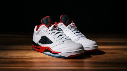 "[無才说]AIR JORDAN 5 LOW ""FIRE RED""球鞋介绍"
