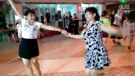 交谊舞,平四步《最弦的民族风》,演练:笑容,玲珑