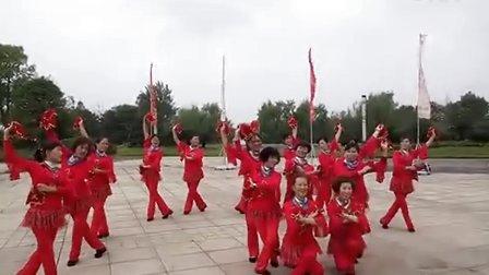 荆州市沙市区腰鼓协会2016年10月22日第四季度展示活动 荆棉队展示手绢舞《山里的人过得真潇洒》