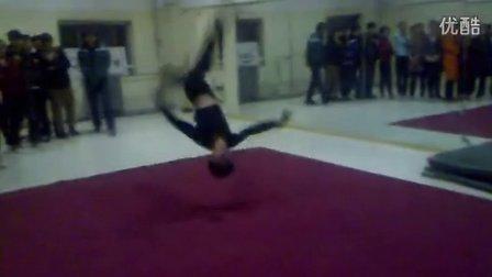 舒曼舞蹈山西高考舞蹈培训2011届学生基本功技巧【最正规、最权威、最优质】