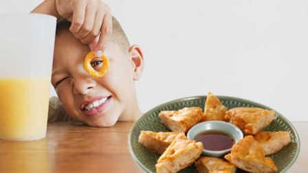 """宝宝也能吃的海鲜""""黄金虾饼"""""""