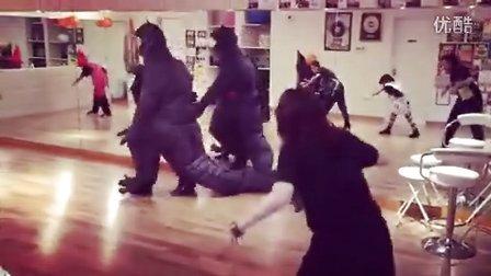 poppin kite 恐龙装万圣节教孩子跳舞