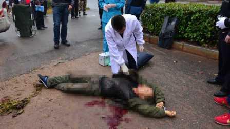 最新消息:运钞车被砸前曾撞了男子劝阻无效击毙