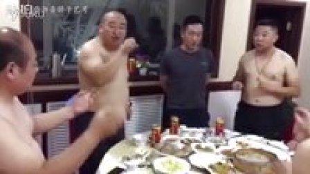 西北民间艺人六桌即兴演唱《管求他》 (杭州骄子国际艺术教育播报)