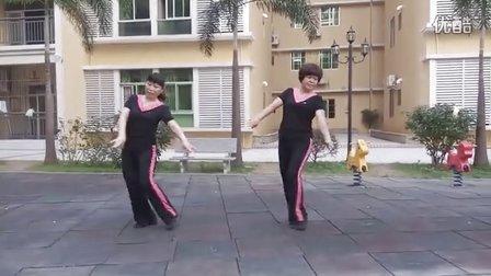 我俩跳广场舞亲亲茉莉花