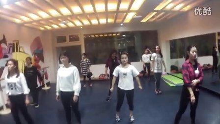 咸阳舞蹈培训爵士舞易美舞蹈钢管舞肚皮舞教练班会员班