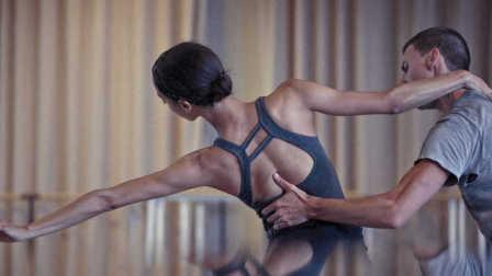 娜塔莉波特曼老公《遇见黑天鹅王子/重燃芭蕾夢 Reset》高清中字中文台湾版预告:巴黎歌剧院|纽约芭蕾舞团首席舞者