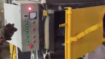 江苏双特机械-铝合金产品除漆翻新过程视频 履带抛丸机试机工作视频 喷砂机厂家视频介绍